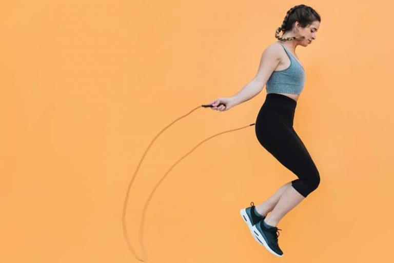Los beneficios de saltar la cuerda