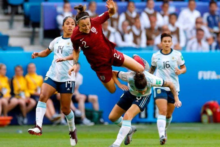 Lo que los hombres pueden aprender del fútbol de mujeres