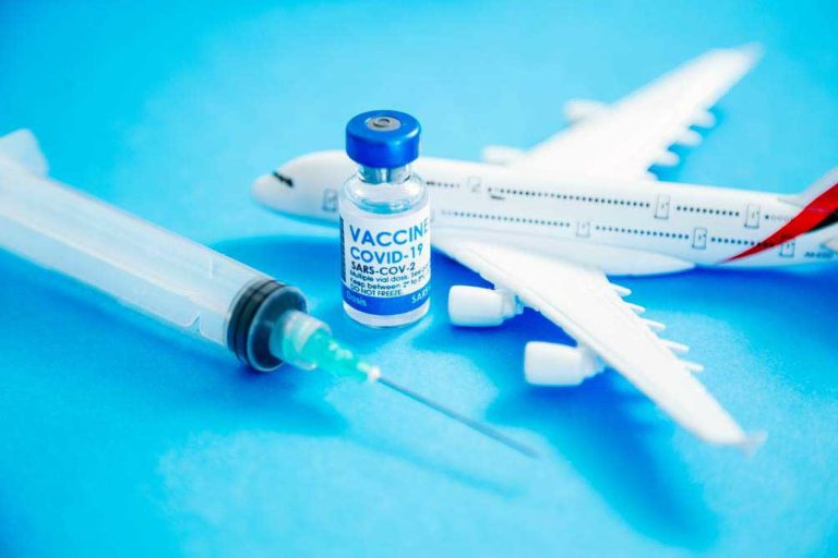 Turismo de vacunas: cómo vacunarse en EEUU y todo lo que debes saber al respecto