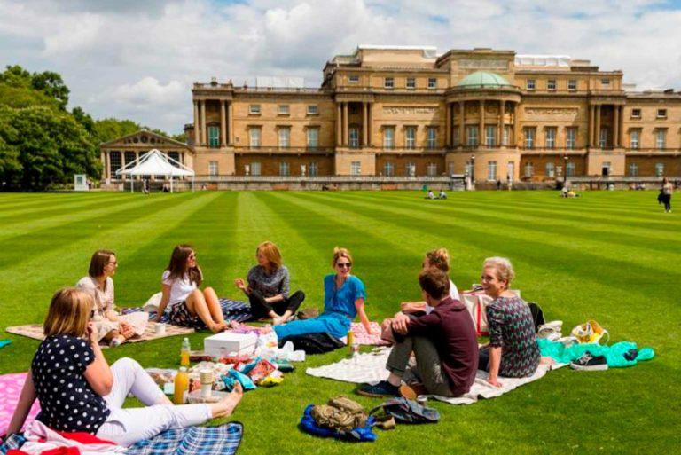 Los jardines de Buckingham abiertos al público por primera vez en la historia