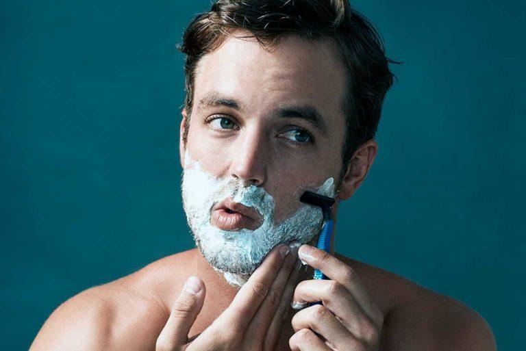 Evita dañar tu piel al afeitarte