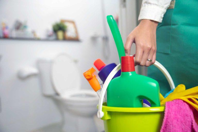 10 tips para eliminar el mal olor del baño